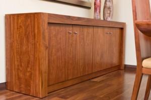 dřevěný bar